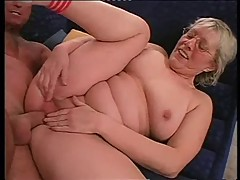 Granny in Glasses Loves to Fuck []