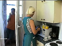 Mature Fucks in Kitchen []