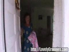 Granny doesnt suspect shes getting a dick [05:15]