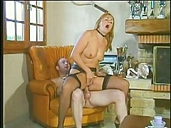 Milf hot and horny loves hard long cock anal assfuck troia [19:0 min.]