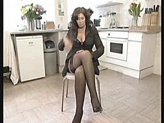 Horny british housewife [7:20 min.]