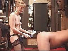 bizarre mature fickt ihren sklaven  [6:58 min.]