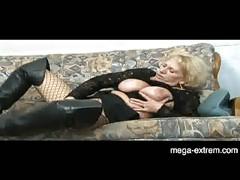 Hot granny fucks with guy next door [20:0 min.]