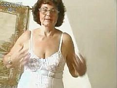 Sweet granny masturbating [17:27 min.]
