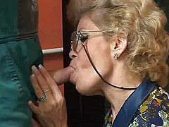 Granny effie get assfucked by tv repairman troia [22:49 min.]