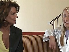Mature mother seduces the young girl - snake [33:39 min.]