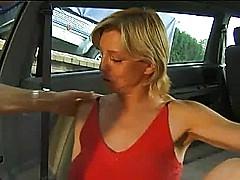 Horny mature simone fucked in a suv [12:10 min.]