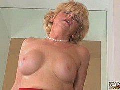 Deanna bentley sexy lovely sweet blonde milf take a young cock in her soft asshole [17:17 min.]